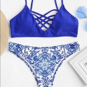 SALE 💙 NWT Royal blue cross-cross bikini